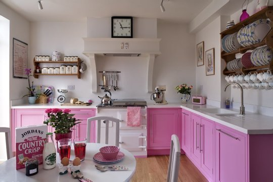 bk-painted-pink-kitchen-september-issue