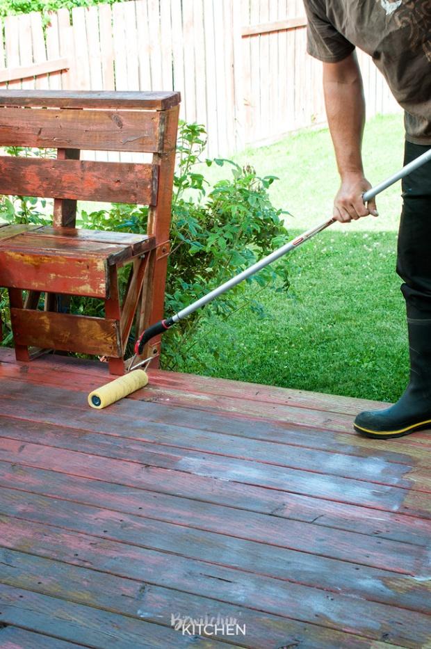 stripping-staining-deck