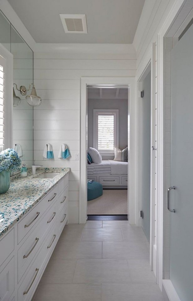 kids-bathroom-with-shiplap-walls