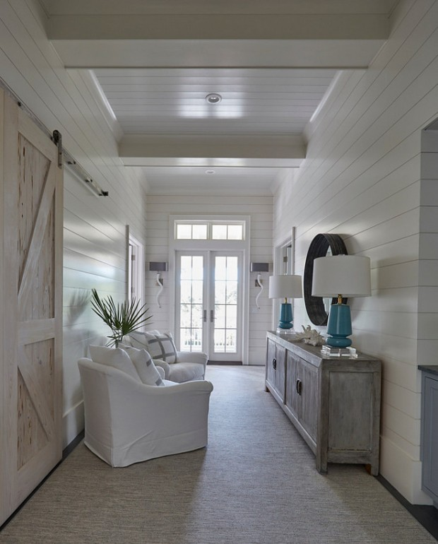 shiplap-foyer-and-barn-door
