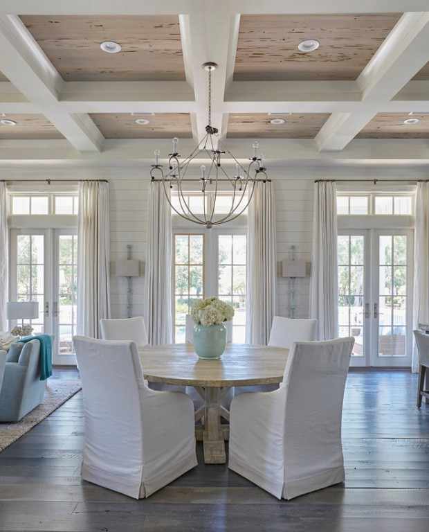 white-slipcovered-dining-chairs