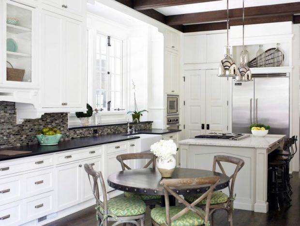 farmhouse-kitchen-table-porch-750x564