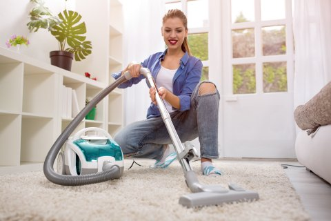 woman-with-vacuum