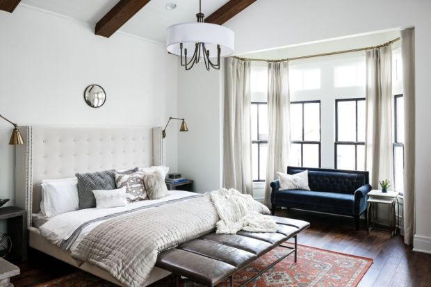 10 ways to master navy blue and gold decor pinterest s new favorite color scheme team dixon Master bedroom ceiling beams